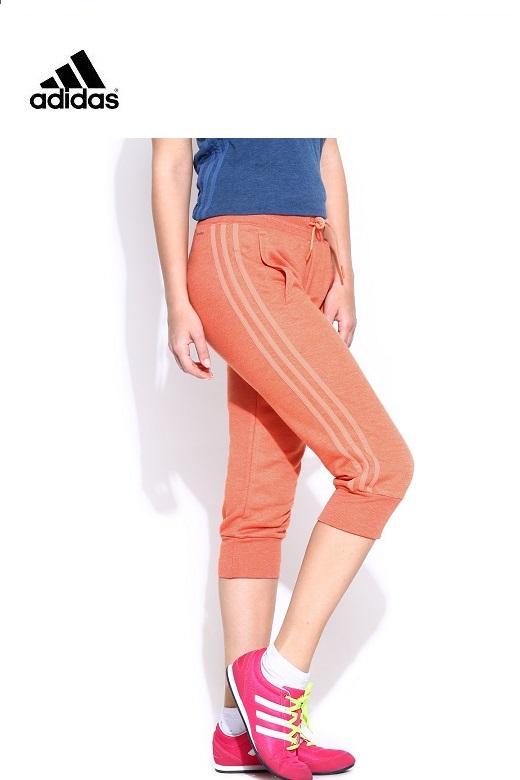 Adidas Női rövidszárú nadrág essential